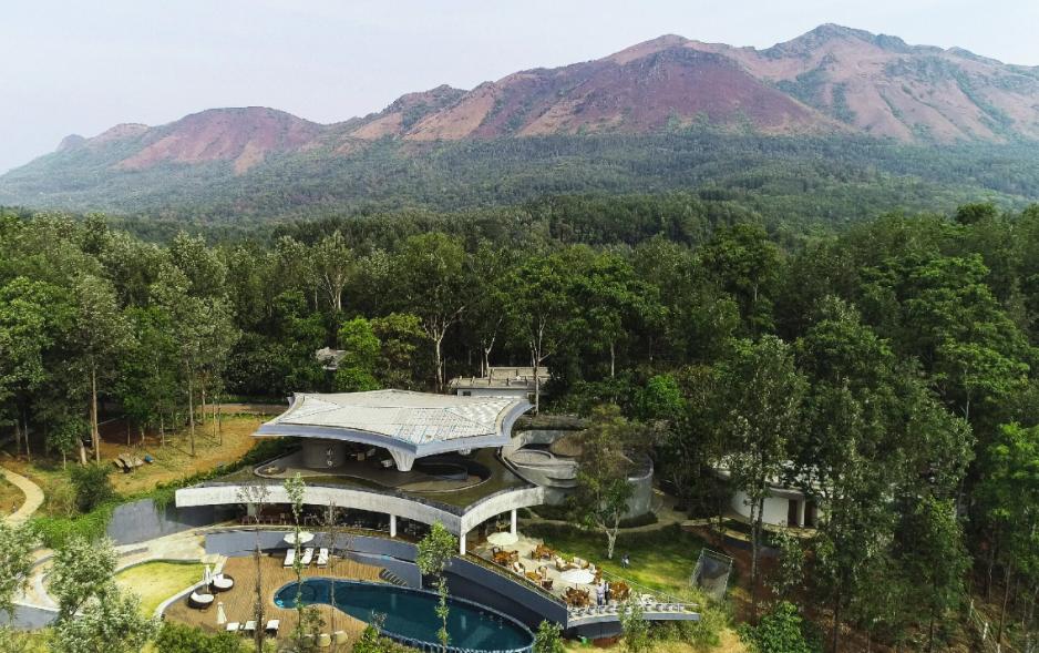 How people enjoy at the Java Rain resort?